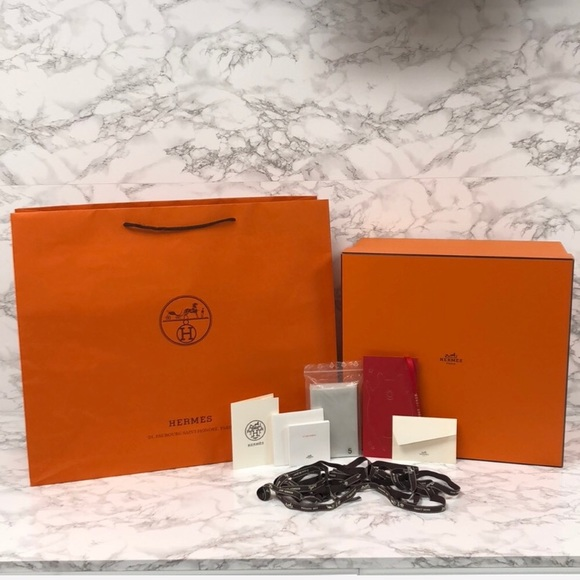 f3f4dcd212 Hermes Bags   Authentic Birkin 35 Box Gift Set Extras   Poshmark